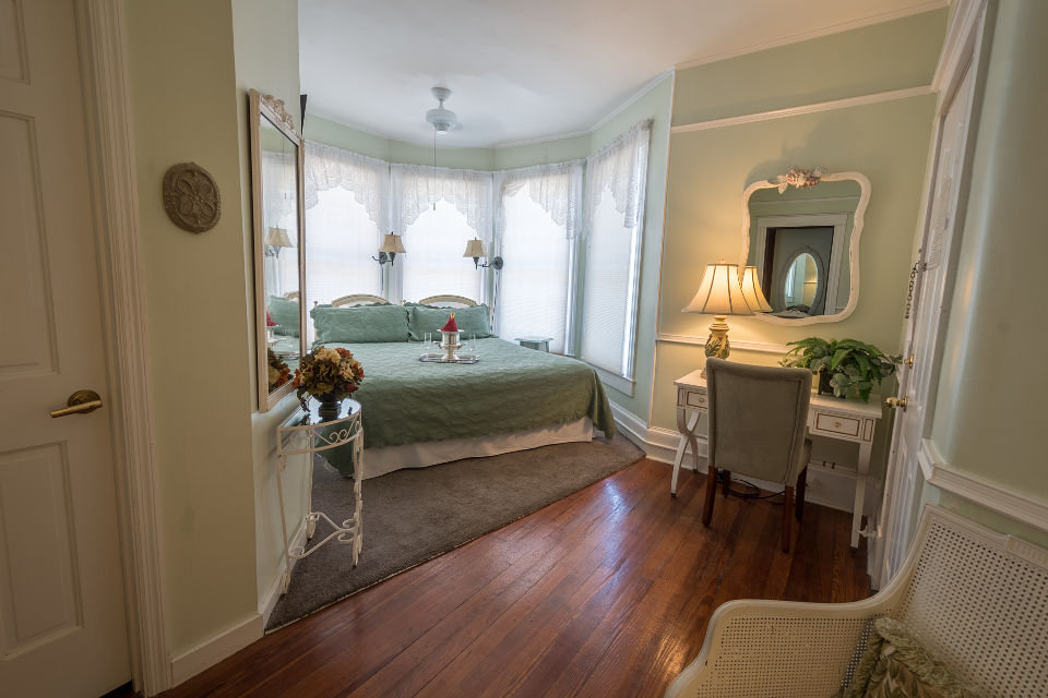 St. Augustine Bed and Breakfast: Fern Room