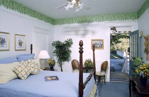 St. Augustine Bed and Breakfast: Garden Room